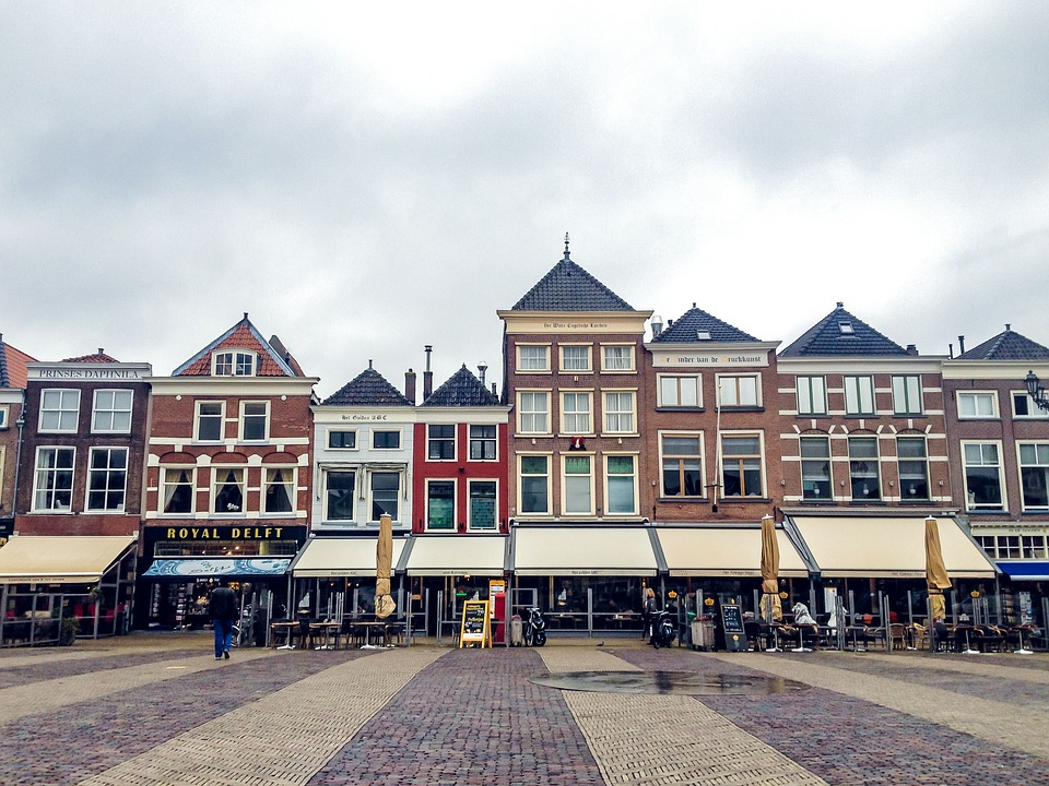 Netherlands_Delft_TownSquare